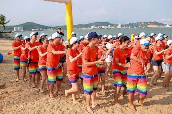 Đồng phục đi biển cho đại gia đình 2