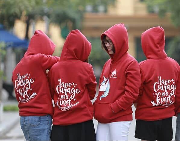 Mẫu in áo nhóm hoodie cá tính