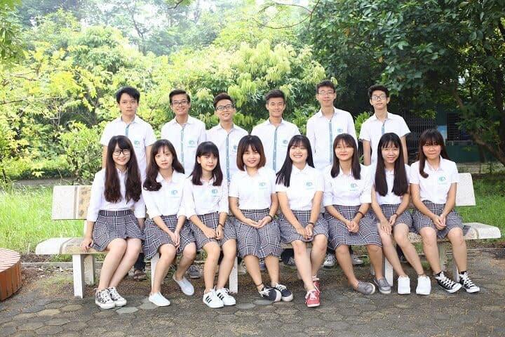 Áo đồng phục học sinh cấp 3