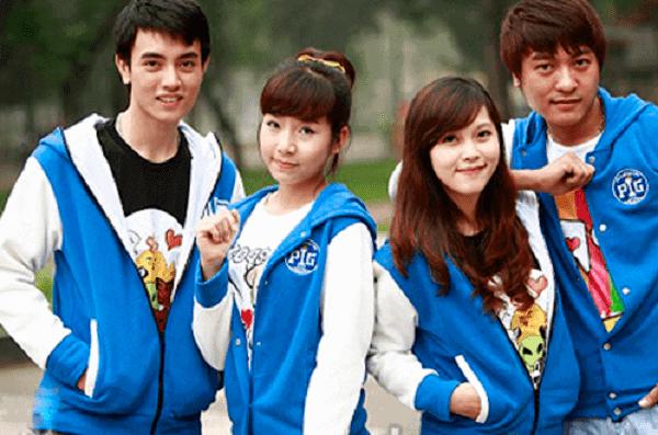 Áo khoác nỉ màu xanh trẻ trung năng động