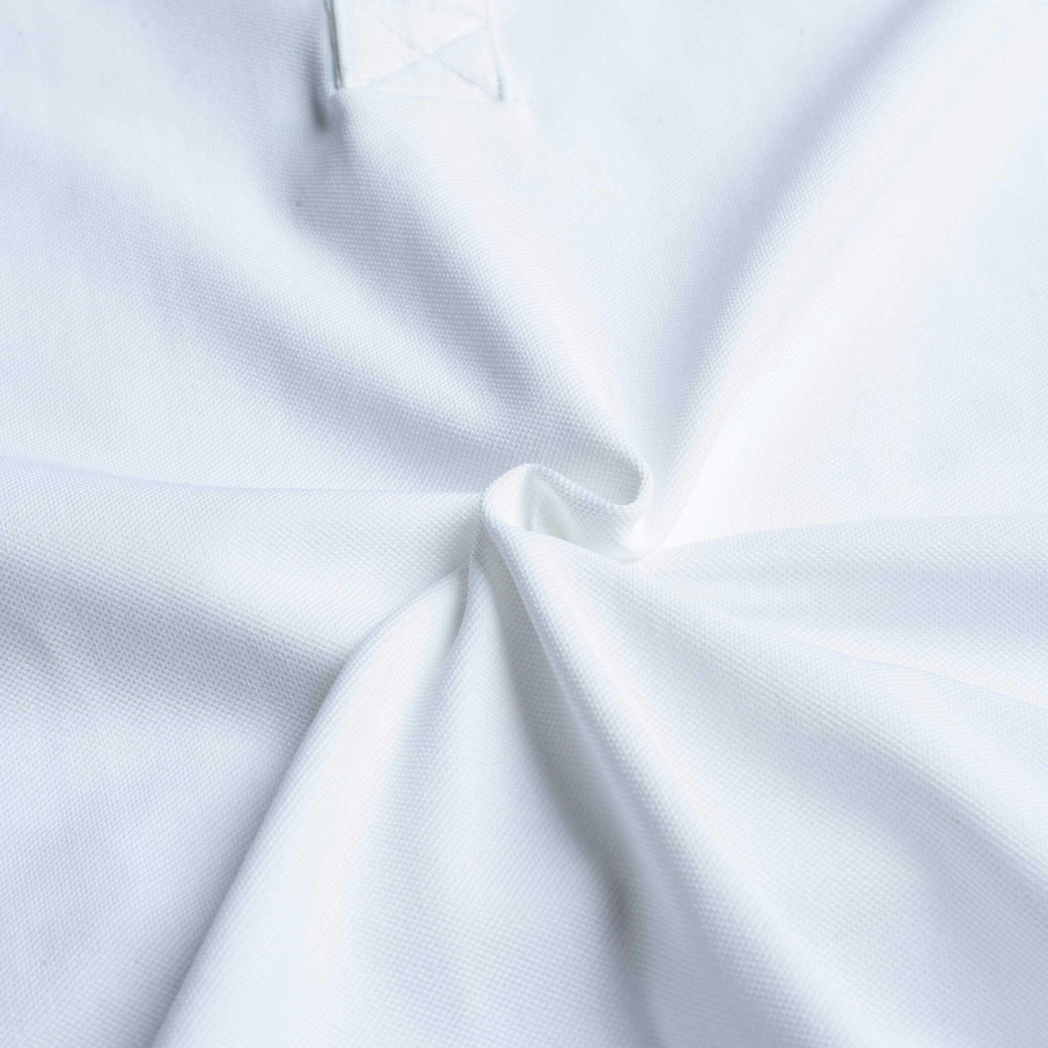 Chất liệu là yếu tố đầu tiên tạo ra một chiếc áo đồng phục nhóm đẹp