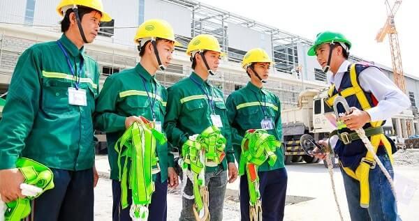 Đồng phục đảm bảo sự an toàn cho người công nhân
