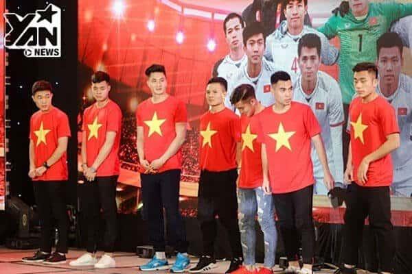 Áo cho đội tuyển bóng đá Việt Nam
