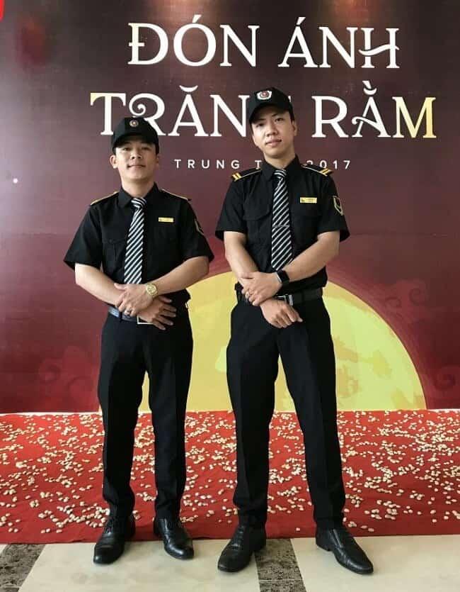 Đồng phục nhân viên bảo vệ quán bar tone đen chủ đạo