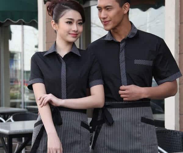 Đồng phục cho nhân viên phục vụ tạo sự thoải mái dễ vận động
