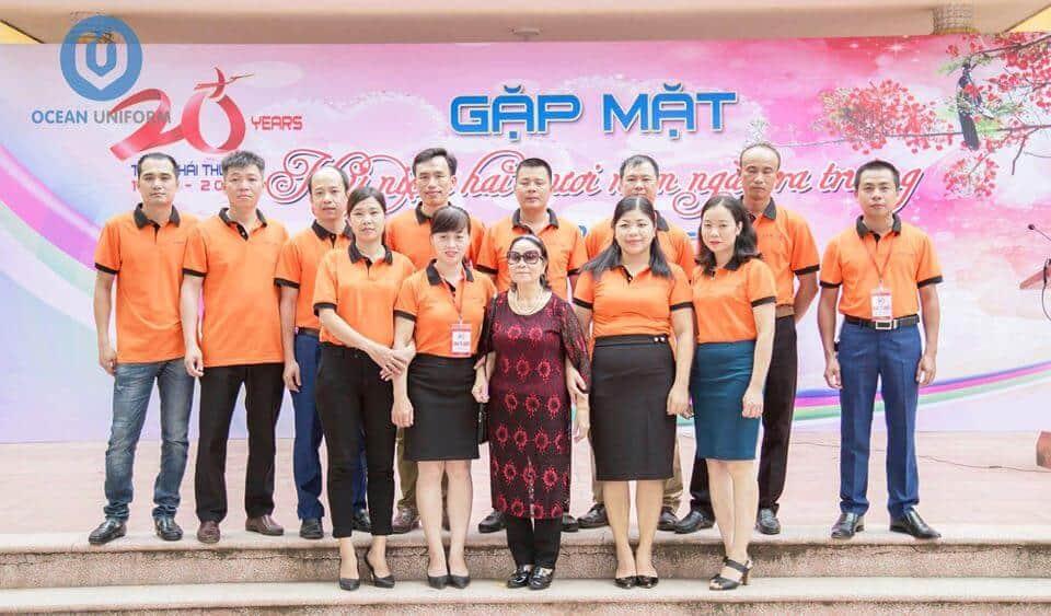 Áo đồng phục công ty màu cam tươi tắn trẻ trung