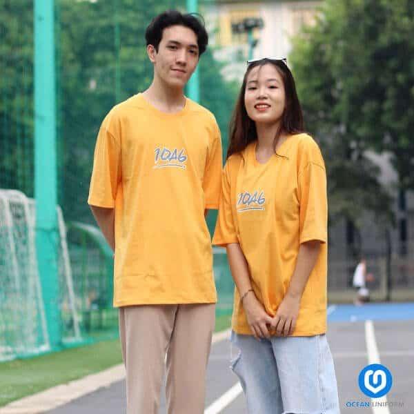 Mẫu áo đồng phục lớp màu vàng oversize