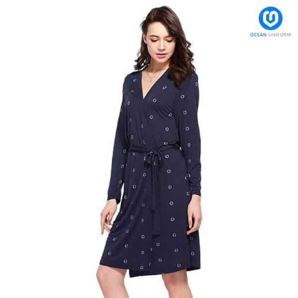 Mẫu áo váy quây với hoa văn đẹp mắt