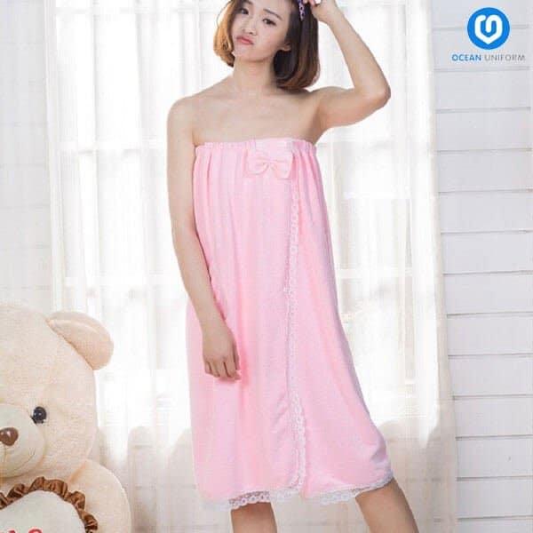 Váy quây spa màu hồng nhạt phối ren