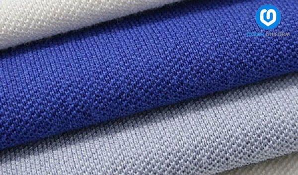 Vải Lacoste có mắt vải to nên độ bền cao, không bị nhàu, nhăn và bai màu.